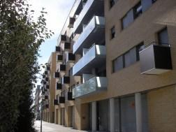 90 Viviendas con sótano aparcamiento, urbanización interior con jardín y piscina, en Vila-seca (Tarragona) (2)