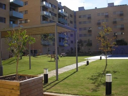 90 Viviendas con sótano aparcamiento, urbanización interior con jardín y piscina, en Vila-seca (Tarragona)